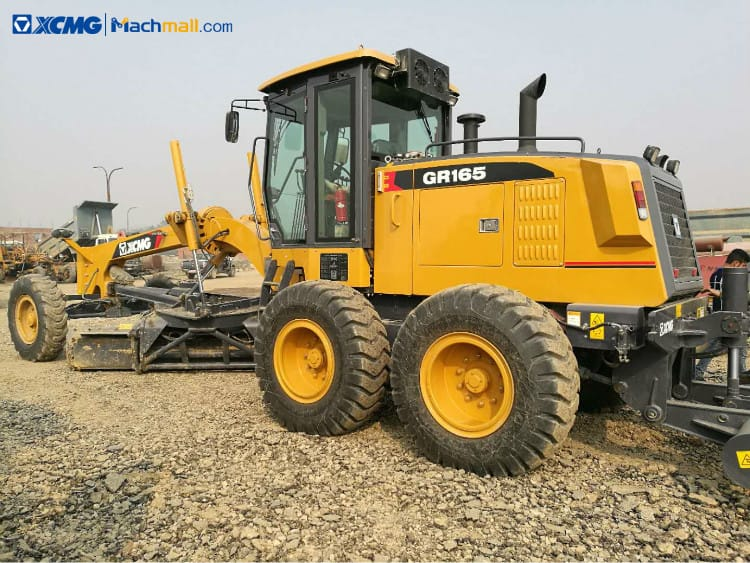 XCMG road equipment 165hp motor grader with Cummins Engine GR165 for sale