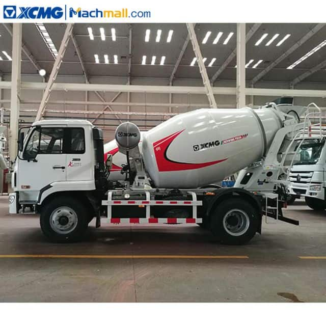 China XCMG 4 cubic meters concrete mixer truck with HOWO chassis G04K for sale