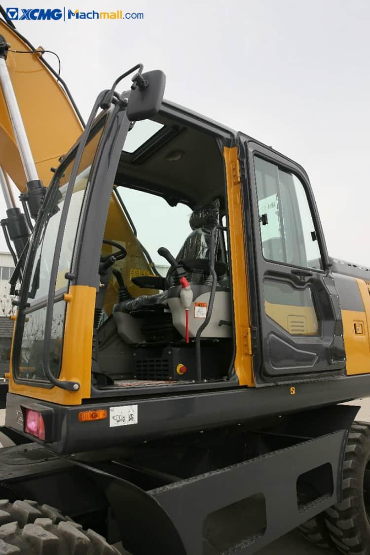 XCMG wheeled excavator 20 ton excavator with tires XE210WB price