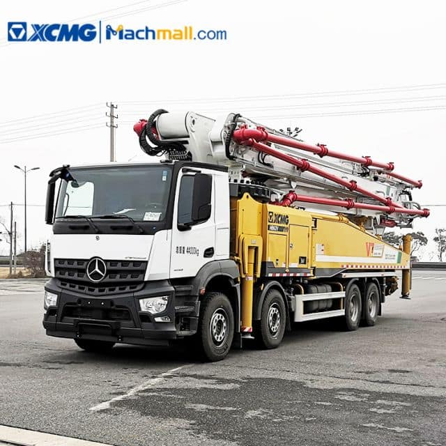 China XCMG concrete pump HB62V with Benz chassis price in Singapore
