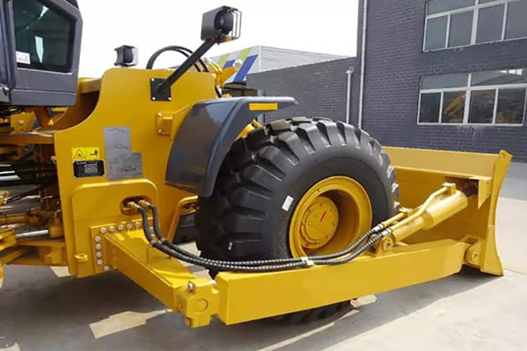 XCMG DL350 wheel bulldozer 350HP China mining wheel dozer price