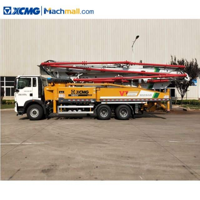 XCMG 52m concrete pump machine HB52V with HOWO chassis for sale