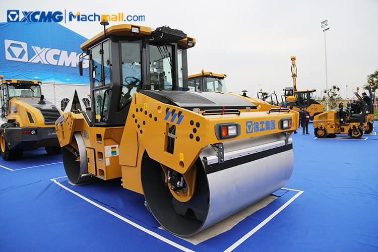 XCMG official 13 ton vibratory road compactor XD133 price
