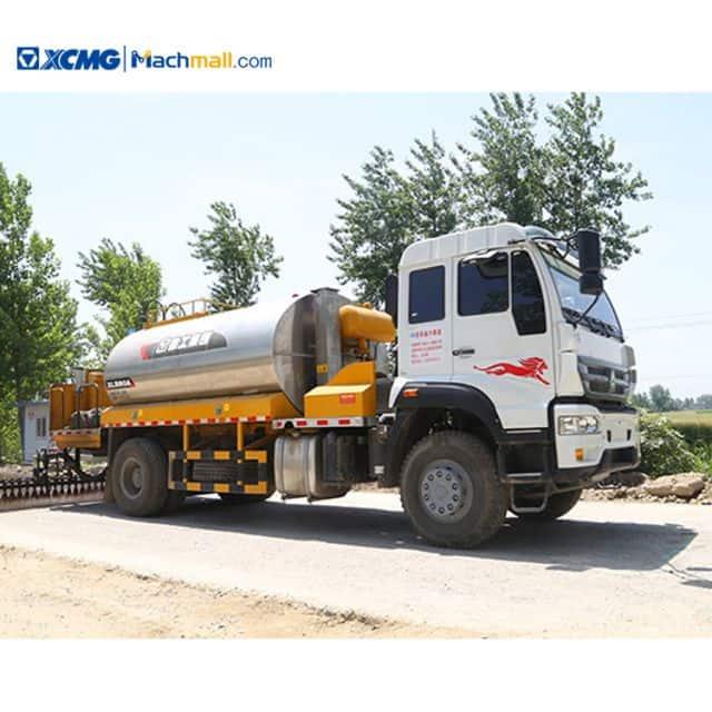 XCMG manufacturer 8 cbm asphalt distributor truck HOWO for sale
