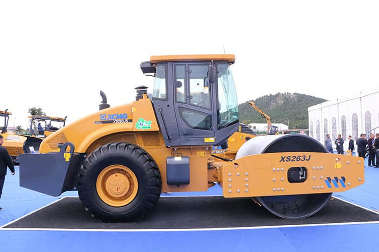 XCMG official  26 ton single drum vibratory road roller XS263J price