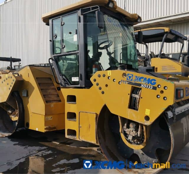 XCMG 13t Used Vibration Road Roller XD133 Price