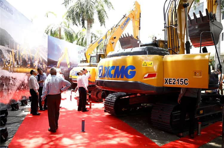XCMG Official 21 ton Crawler Excavators China XE215 Excavator With High Quality Engine