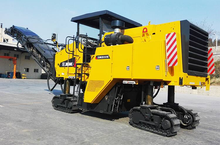 XCMG official 2m XM200E China mini road cold planer milling machine