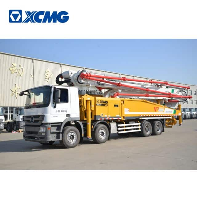 XCMG official 62m concrete pump truck HB62V China concrete truck with Benz chassis for sale