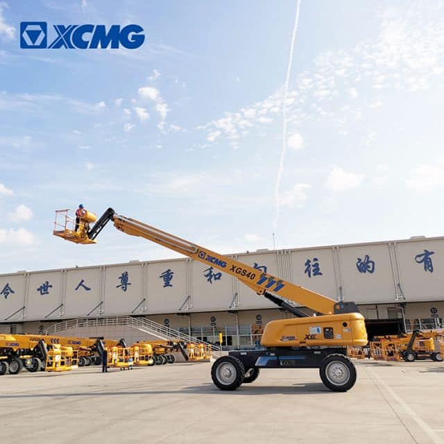 XCMG factory 40m hydraulic telescopic boom lift XGS40 mobile elevated lift for sale