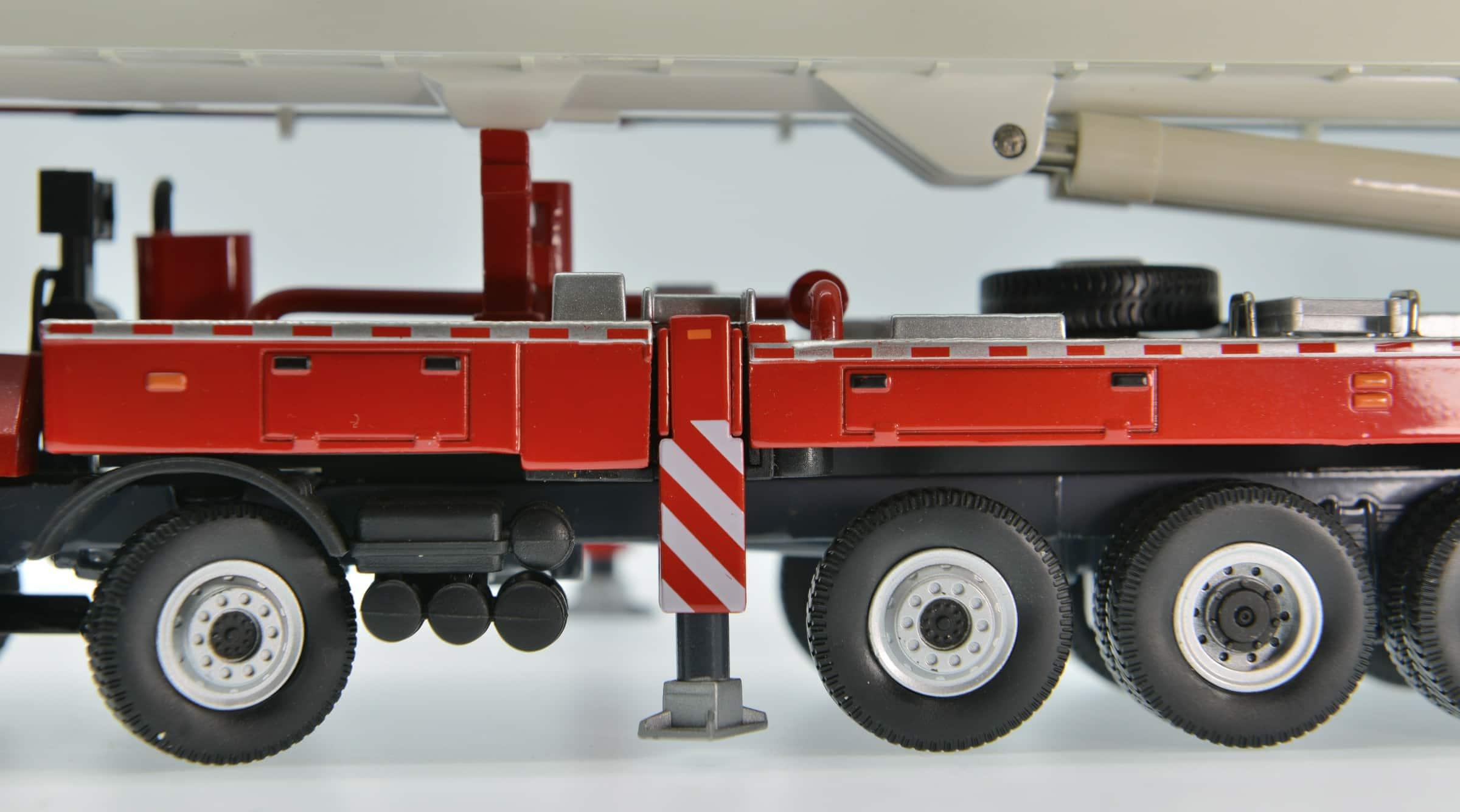XCMG Fire Truck DG100 Model (1:50)