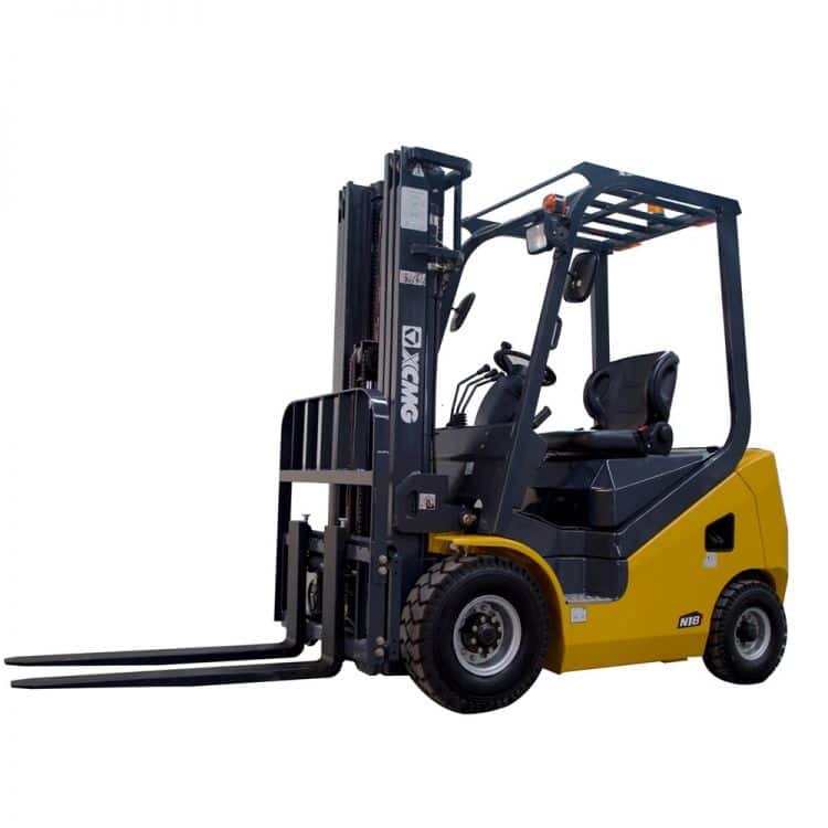 XCMG 2T Diesel Forklift FD20T Diesel Engine with Triplex Mast 6m for sale
