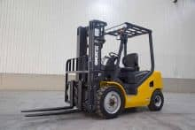 XCMG 3.5 T Diesel Forklift Truck China Small Forklifts FD35T With Attachment For Sale