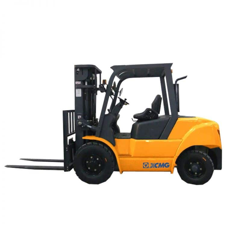 XCMG 4T Diesel Forklift FD40T DEUTZ Diesel Engine with Clamps for sale