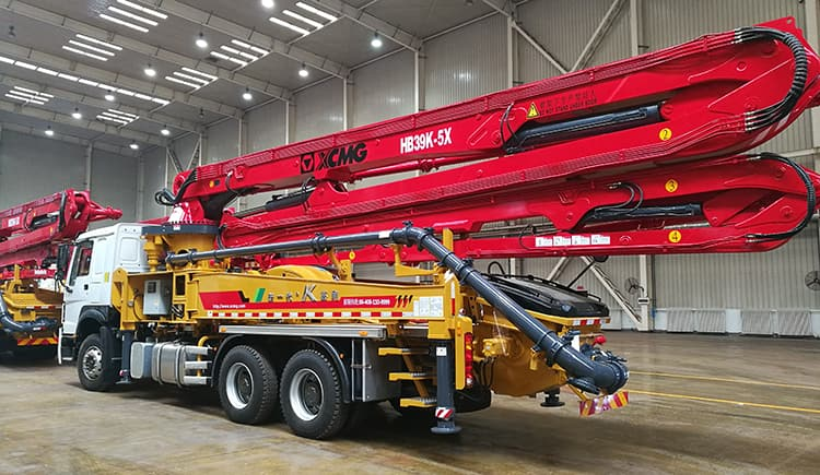 XCMG Schwing Factory HB39K 39m Boom Pressure Concrete Pump for Sale