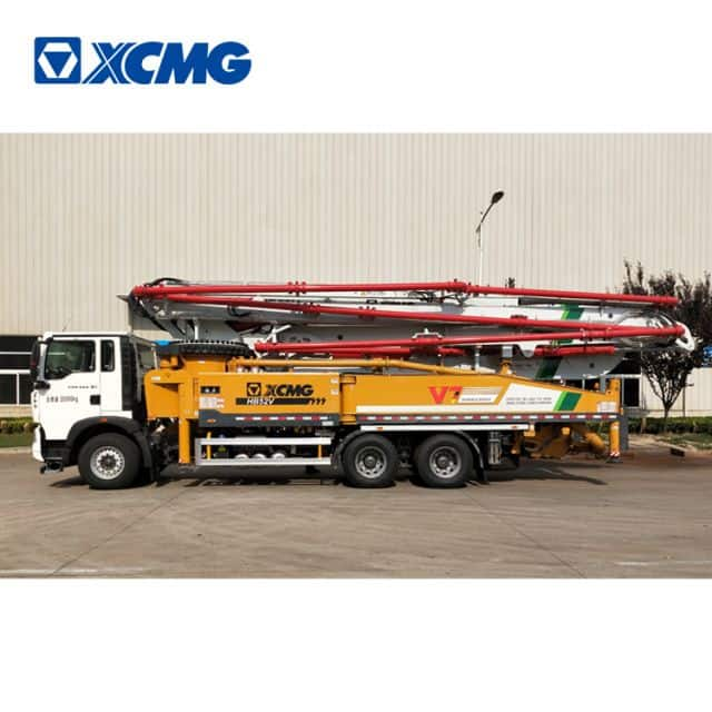 XCMG official concrete pump truck HB52V China new 52m concrete machine with HOWO chassis price