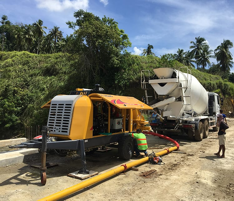 XCMG Official HBT6013k 118kw concrete trailer pump lightweight concrete pump mobile concrete pump equipment for sale