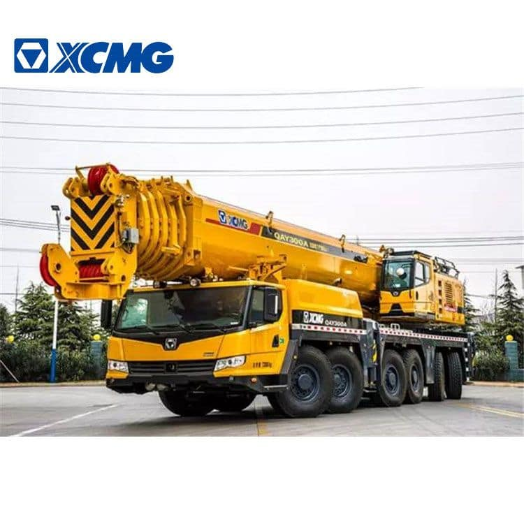XCMG Official 300 Ton Mobile Truck Crane QAY300A China All Terrain Crane Price
