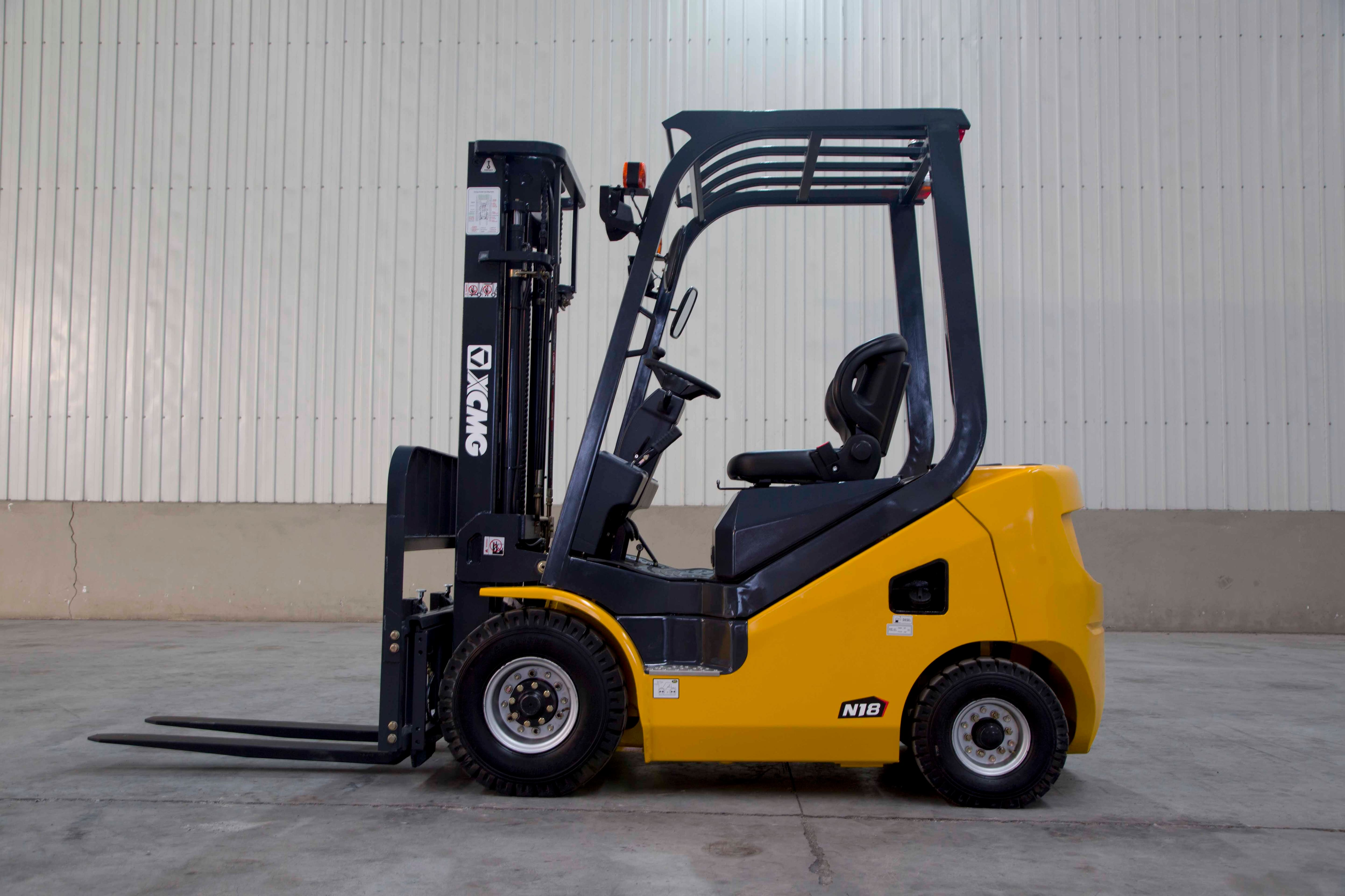 XCMG Official 1.5-1.8T Diesel Forklift Truck for sale