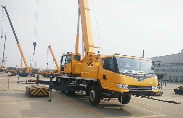 XCMG Official Crane Truck QY25K5A China 25 Ton Mobile Truck Crane for Sale