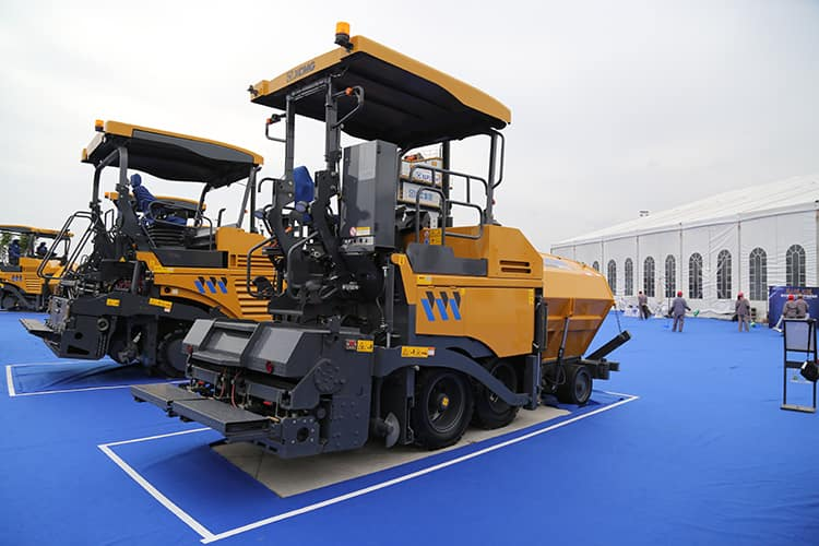 XCMG new mini China road asphalt paver RP453L machines for sale