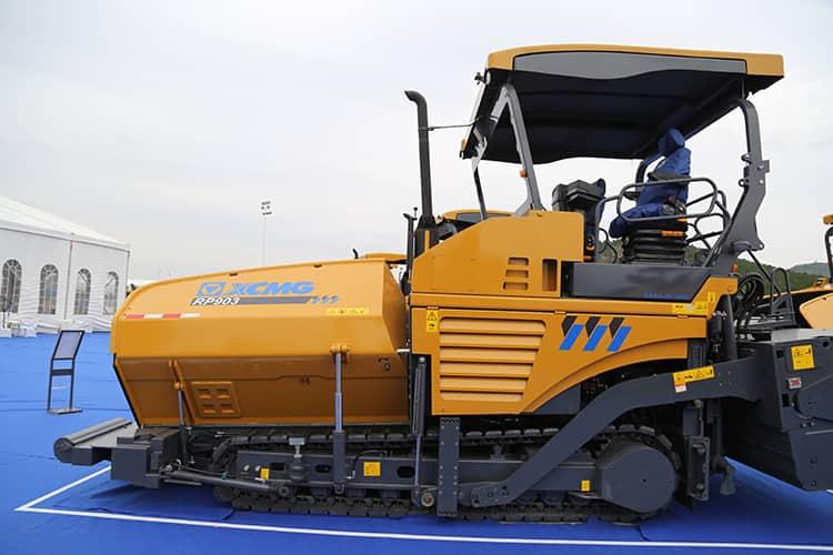 XCMG 9m road paver RP903 laying machine asphalt pavers