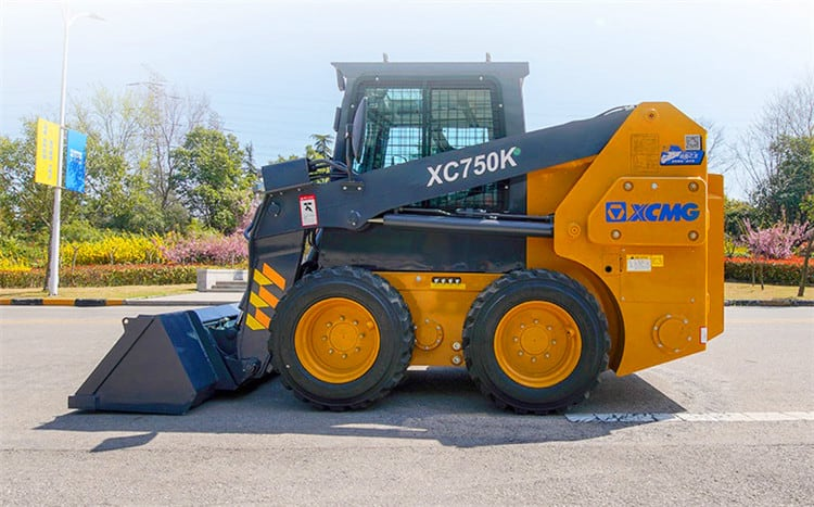XCMG XC750K 1 ton Mini Wheel SkidSteer Loader for Sale