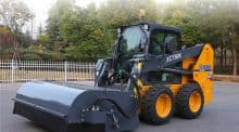 XCMG XC750K 1 ton Chinese mini skid steer loader with bucket and hammer