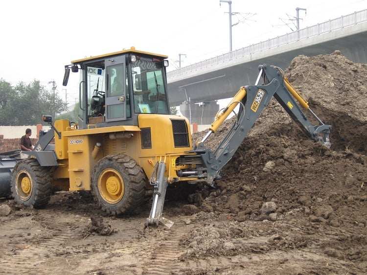 XCMG Official 2 Ton Mini Digger Backhoe Loader XC870K Price