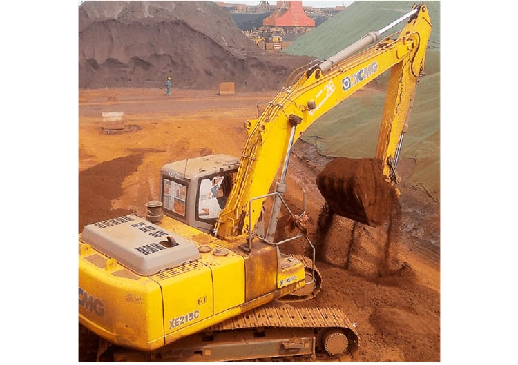 XCMG Official 21 Ton Cheap Used Excavators XE215CA China Used Excavator for Sale