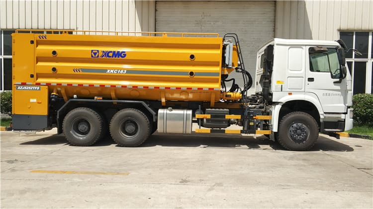 XCMG official cement powder binder spreader truck XKC163 with HOWO chassis