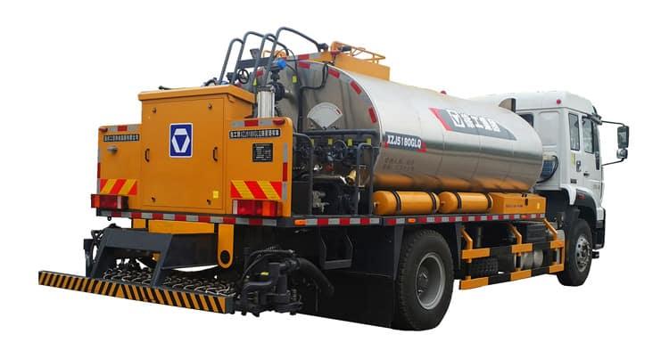 XCMG official manufacturer multifunctonal asphalt distributor asphalt truck XLS803 hot sale