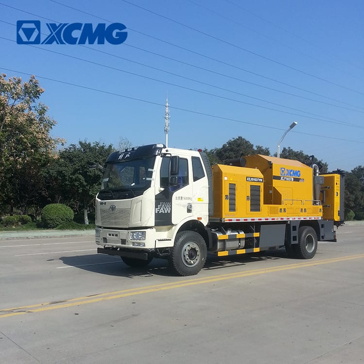 XCMG manufacturer pavement maintenance vehicle XLY103TB road repair machines for sale