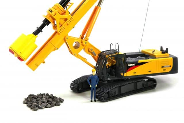 XCMG Rotray Drilling Rig XR220 Model (1:35)