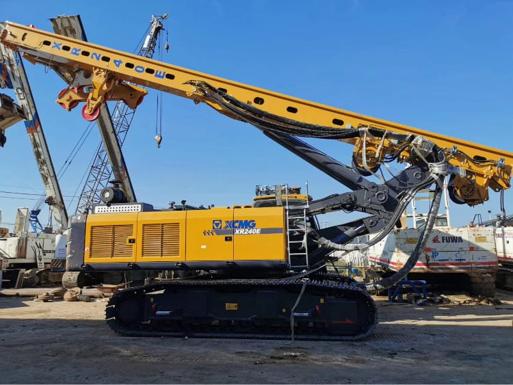 XCMG new 82 ton multi-function rotary drilling rig China hydraulic drill rigs XR240E (Euro Stage IV)