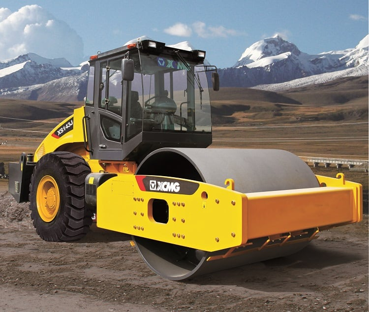 XCMG XS123 12 Ton Single Drum Vibratory Compactor Road Roller