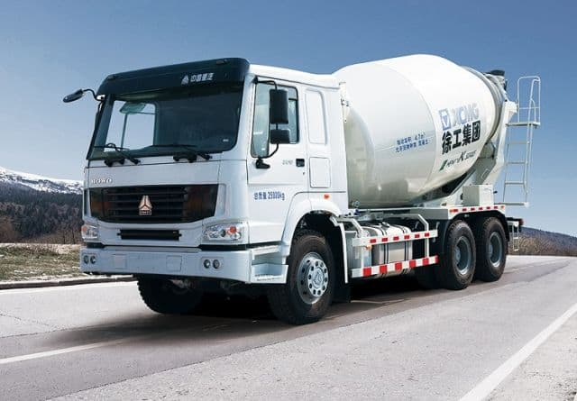 XCMG High Efficiency Hot Selling Concrete Mixer Truck XSC3311 Concrete Truck Mixer For Sale
