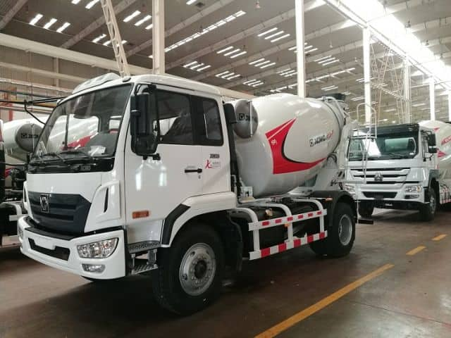 XCMG Official Small Concrete Mixer Truck XSC2303 Self Loading Concrete Mixer Truck For Sale