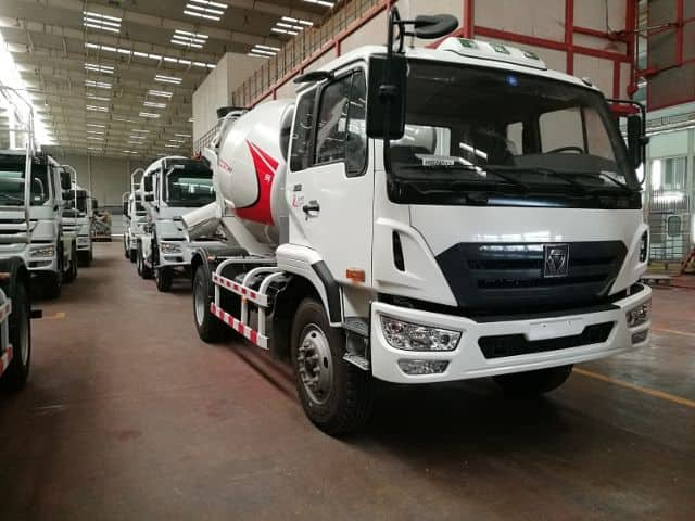 XCMG Official Mobile Concrete Truck Mixer XSC2301 Concrete Mixer Truck Best Price For Sale