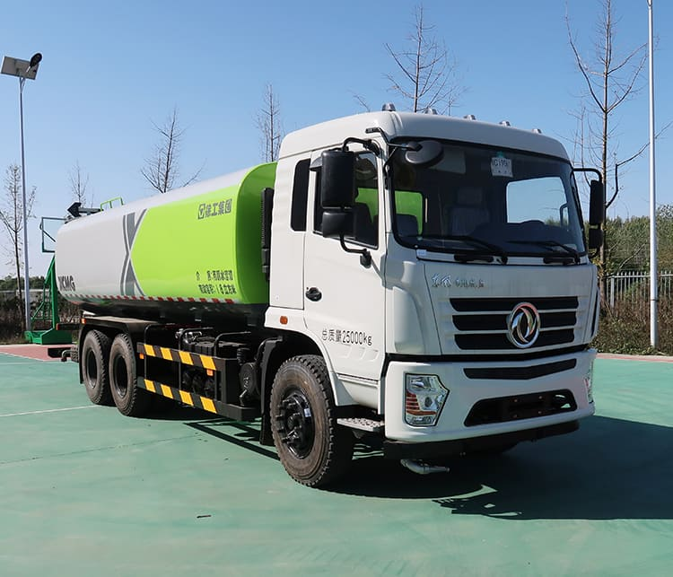 XCMG official factory 14.5L sprinkler cleaning truck XZJ5250GSSD5 road spray cleaning truck price