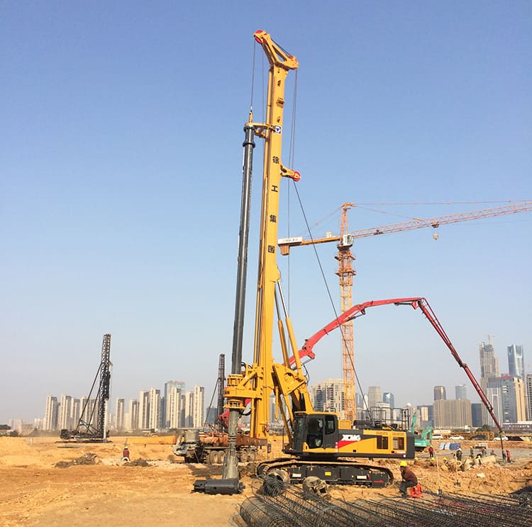 XCMG 76 ton mobile mine drilling rig machine XR220D made in China