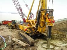 XCMG 150kn rotary drilling rig XR150D China hydraulic crawler mine drilling rig machine price