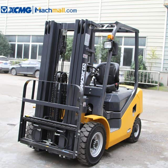 XCMG 2 ton small diesel forklift CPC20T3 four wheel with CE price