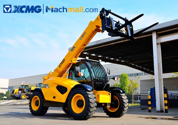 XCMG 4.5 ton telescopic forklift XT680 for sale
