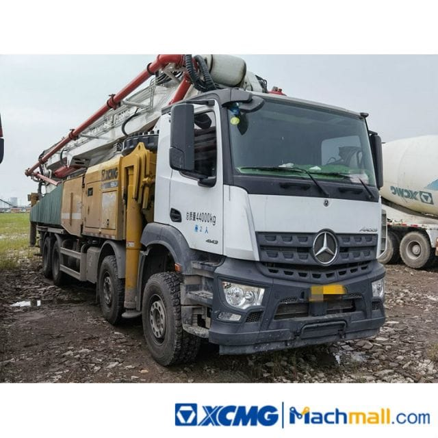 XCMG 62m Used Concrete Pump Truck HB62 For Sale