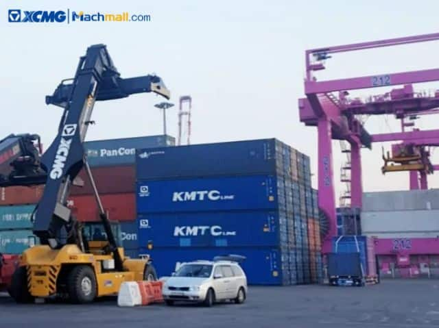 XCMG 45 ton reach stacker container loading equipment XCS4535K For Sale