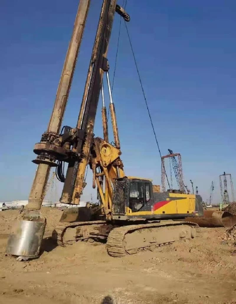 XCMG foundation drilling machine 130kn 50m rotary drilling rigs XR130E price