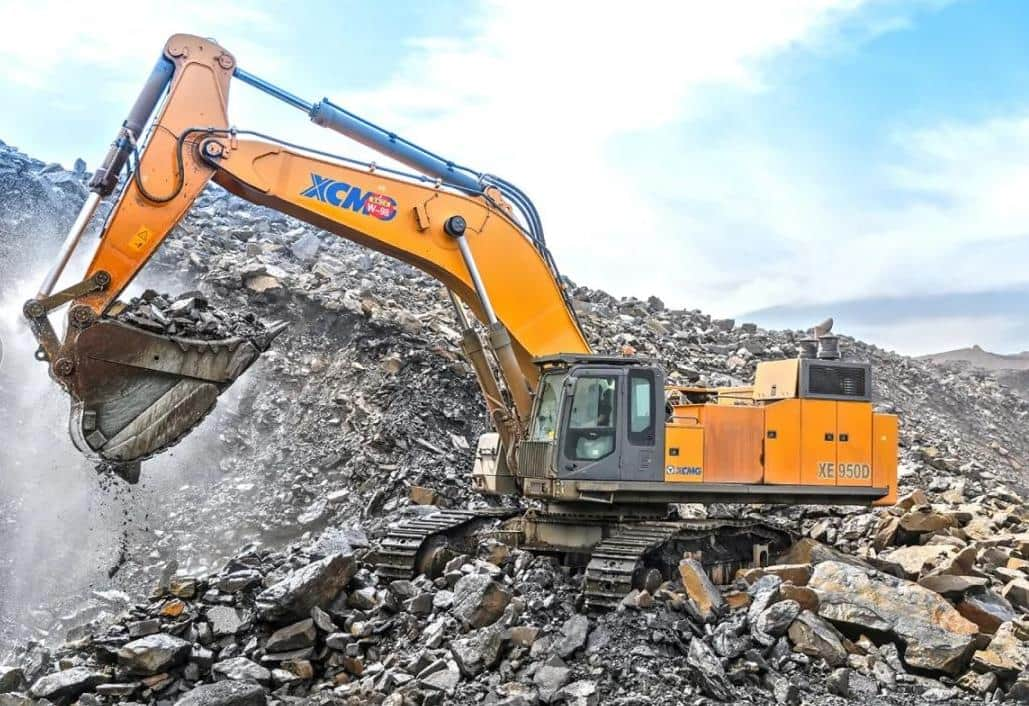 XCMG Official 95ton Mining Excavator XE950D for sale