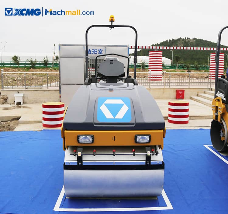 XCMG 3 ton light vibratory road roller compactor equipment for North America price