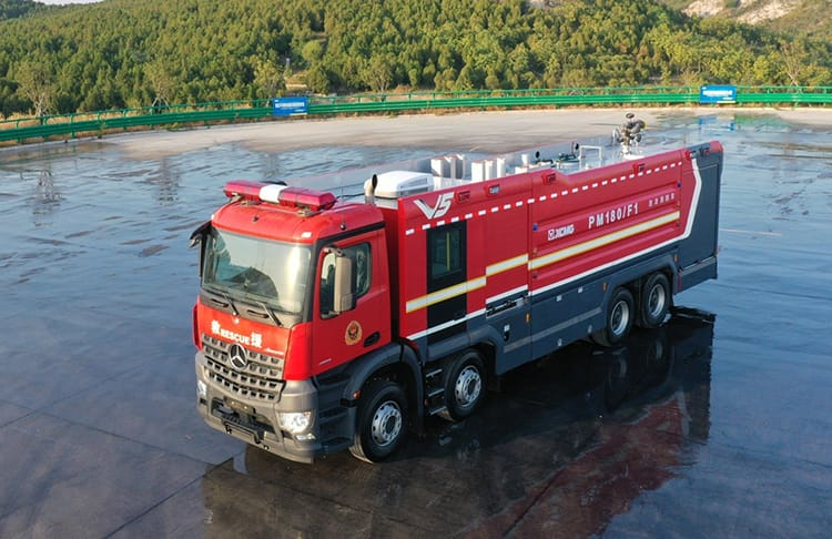XCMG official 18 ton big foam fire truck PM180F1 with Benz chassis price